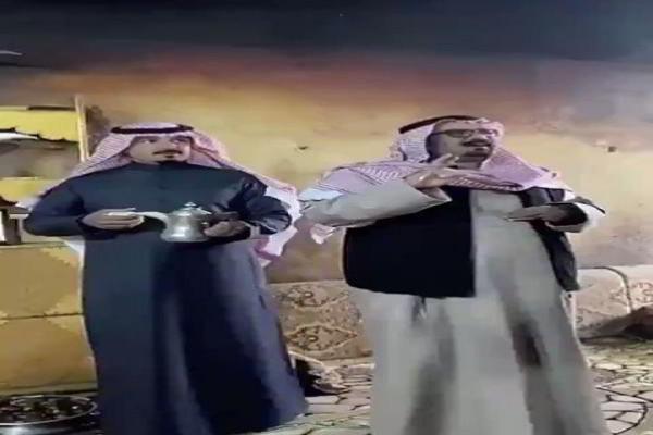 شاهد: نار مشتعلة في بيت سعودي منذ 70 عامًا