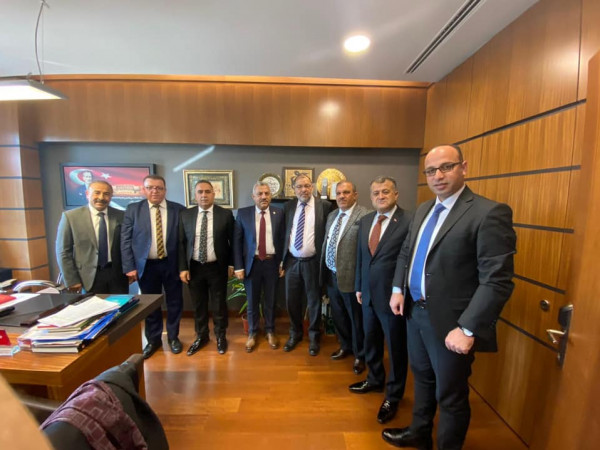 رئيس بلدية الخليل يعود إلى أرض الوطن بعد المشاركة بمؤتمر عالمي بأنقرة