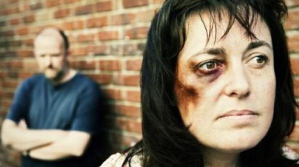 يمني يذبح أخته في المحكمة.. وينجو من العقوبة