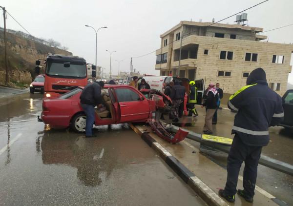 صور: إجلاء إصابة جراء حادث سير ذاتي جنوب الخليل