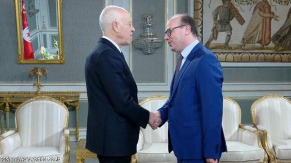 الرئيس التونسي يُكلّف إلياس الفخفاخ رسمياً بتشكيل الحكومة الجديدة