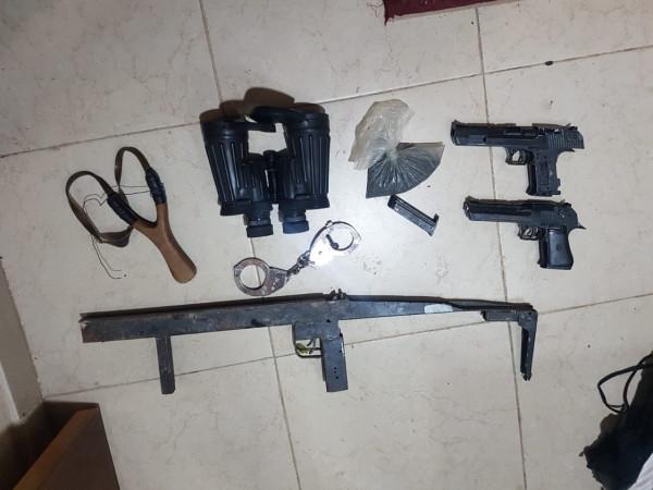 صور: الجيش الإسرائيلي يزعم العثور على 40 قطعة سلاح بالضفة