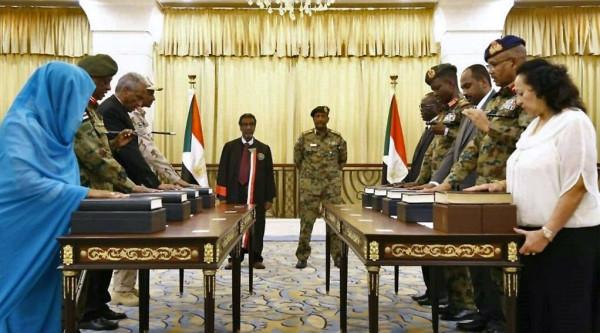 """""""السيادي"""" بالسودان يعلن اعتماد ثلاثة وزراء دولة"""