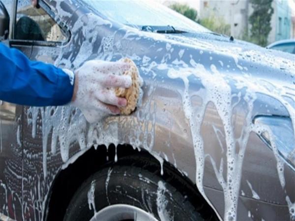 تعرف على أبرز خمس خرافات عن وسائل تنظيف السيارة
