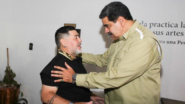 مارادونا يزور صديقه الرئيس مادورو