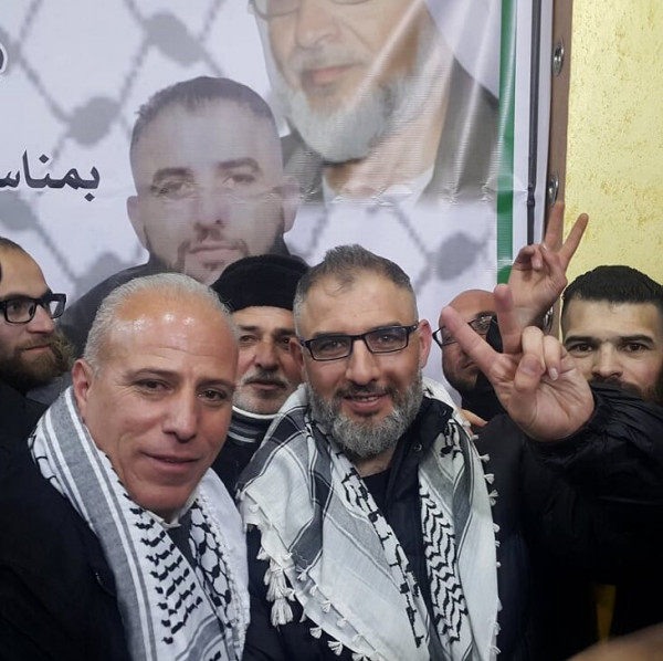 الخليل تحتفل بالإفراج عن الأسير سلهب بعد اعتقال 18 عاماً