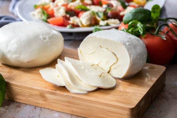 طريقة عمل الجبنة الموتزاريلا في البيت من مطبخ الشيف آسيا