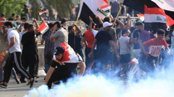 سيارات مدنية تُطلق النار على متظاهرين في بغداد