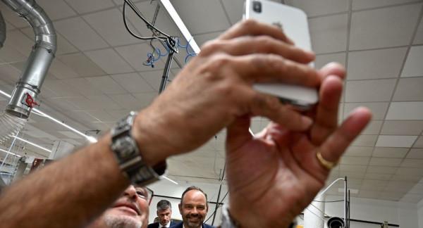 """افتتاح أول متحف لعشاق تصوير """"السيلفي"""" في دبي"""