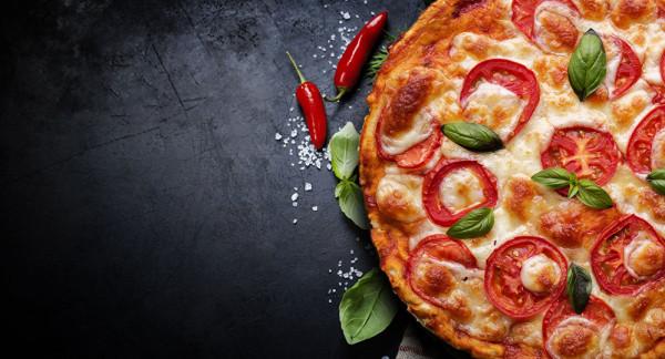 بيتزا بطول 103 أمتار لجمع الأموال ومكافحة حرائق أستراليا