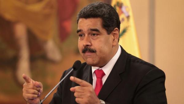 """مادورو يعلن فشل """"المغامرة الانقلابية"""" في فنزويلا"""