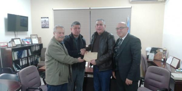 وفد من المكتب الاداري لاتحاد نقابات عمال فلسطين مدير مكتب (أونروا) بصيدا