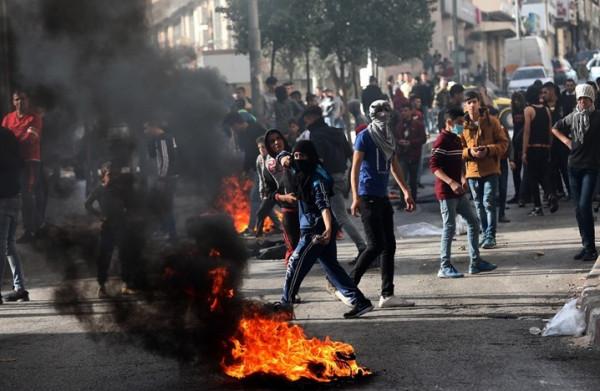 عشرات الإصابات جراء قمع الاحتلال مسيرات سلمية بالضفة الغربية