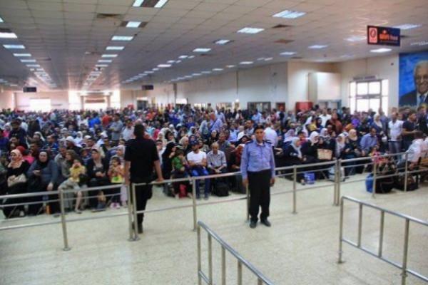 33 ألف مسافر تنقلوا عبر (معبر الكرامة) الأسبوع الماضي