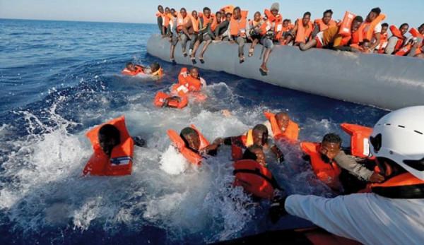 إنقاذ 78 مهاجراً قبالة السواحل الليبية