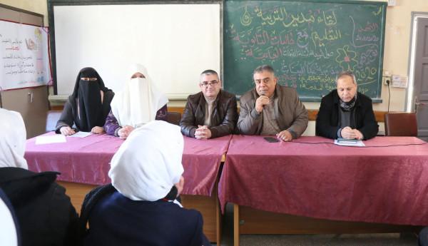 الفرا يفتتح لقاءً مع طالبات الثانوية العامة بمدرسة عكا