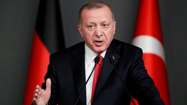 """أردوغان: حفتر يواصل الهجمات في ليبيا """"بكل الموارد المتاحة لديه"""""""
