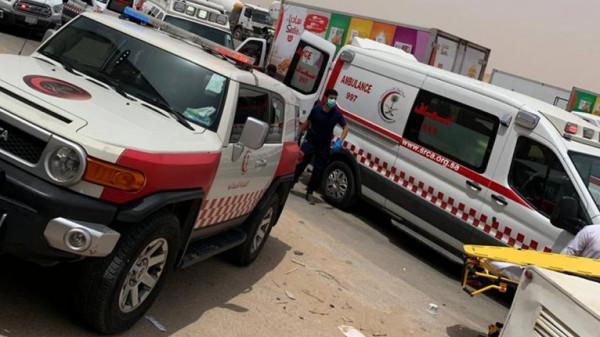 شاهد: سيارة تقتحم محطة وقود وتصدم عاملا بعنف في السعودية