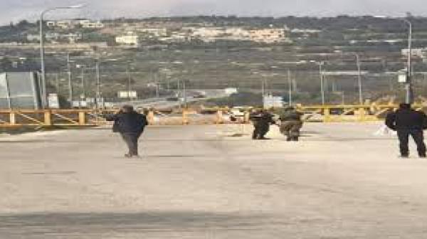 الاحتلال يُغلق حاجز (جيت) العسكري الواصل بين شمال الضفة وجنوبها
