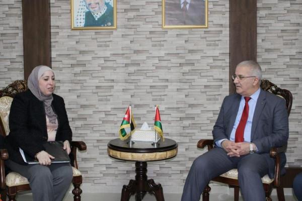الوزير سالم يعقد إجتماعا للجنة الفلسطينية الأردنية المشتركة للنقل البري
