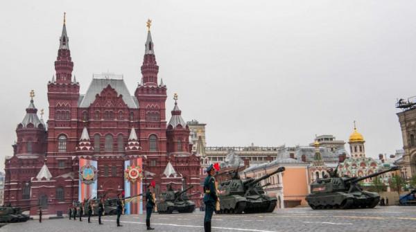 روسيا تُوقف استقبال السياح الصينيين لتفادي (كورونا)