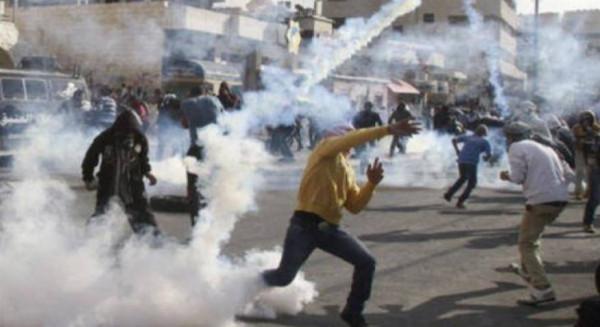 إصابة عشرات الطلبة في مواجهات مع الاحتلال شمال الخليل