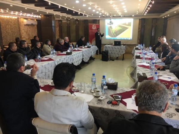 بلدية غزة تبحث مع هيئة المطاعم والفنادق مقترح مشروع تطوير الواجهة البحرية