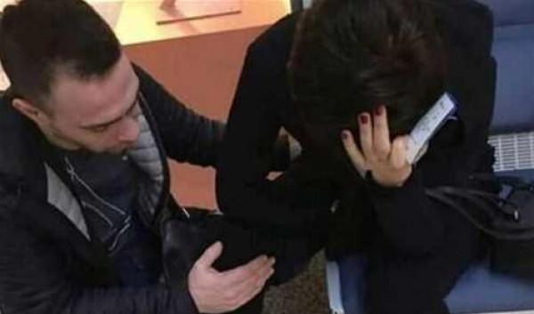 القصة الكاملة لصورة بكاء شيرين عبد الوهاب وزوجها حسام حبيب يواسيها