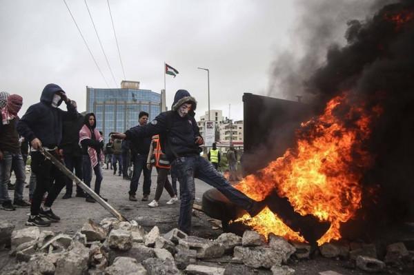 إصابات بالاختناق جراء قمع الاحتلال مسيرة منددة بـ (صفقة القرن) في بيت لحم
