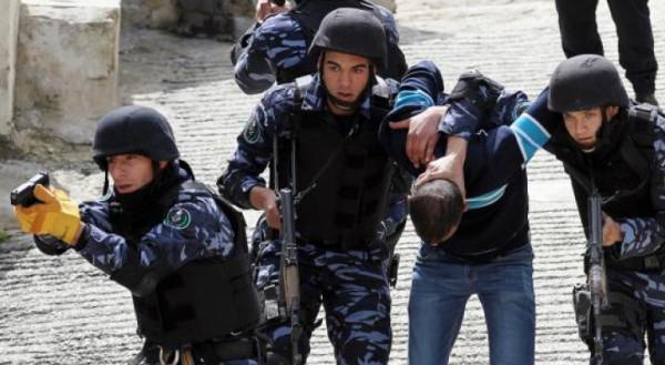 الشرطة: شخص ارتكب جريمة قبل 20 عاما وهرب و(إنتربول) فلسطين يحضره