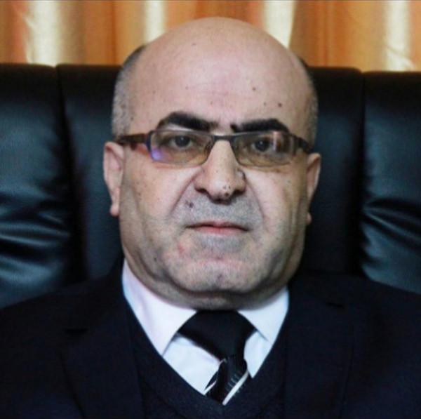 كوشنير وحلاق اليتامى بالسلطة الفلسطينية