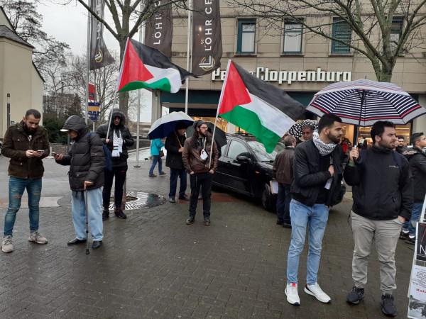 الجالية الفلسطينية بألمانيا تنظم وقفة شعبية ضد صفقة القرن
