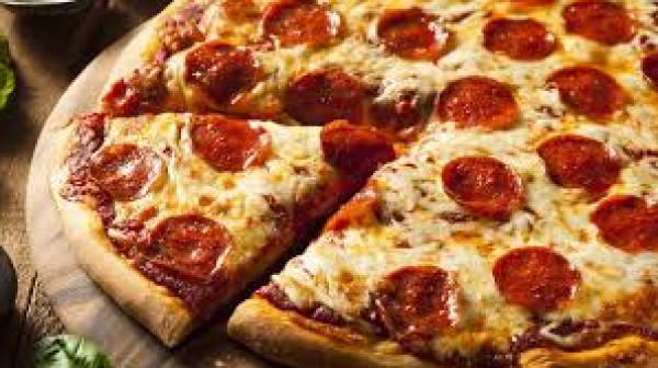 بيتزا الببروني