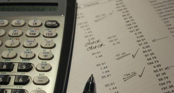 تحمل دكتوراة في الرياضيات ولا تستطيع قسمة الأعداد