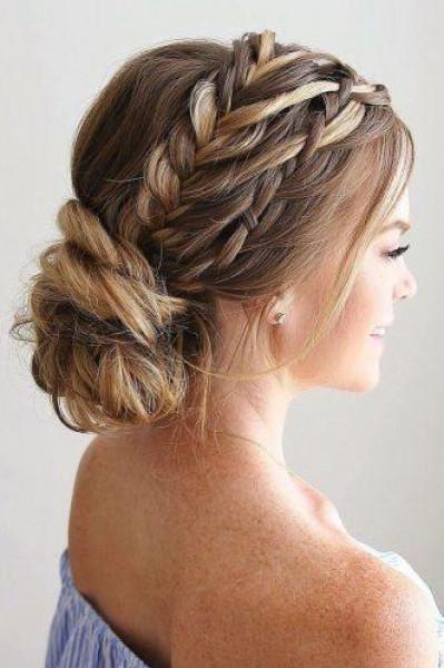شعرك خفيف.. اختاري هذه التسريحات في يوم زفافك