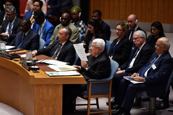 مسؤولون إسرائيليون يواصلون هجومهم على الرئيس عباس