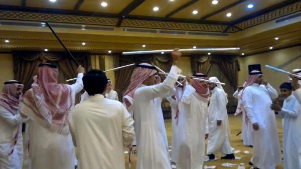 """حفل زفاف تاريخي لـ""""معضولة سعودية"""" بعد 10 سنوات من المعاناة"""