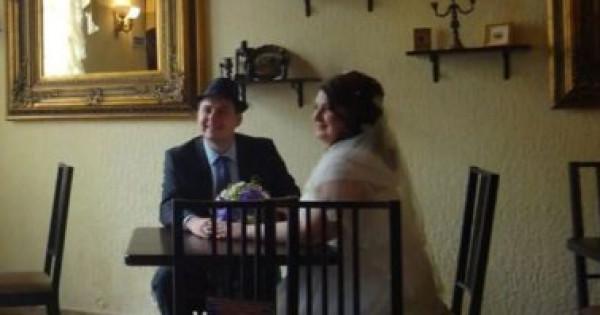 زفاف عروسين روسيين تعرضهما للسجن بتهمة الخيانة