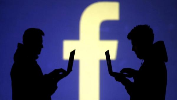 """اتفاق بين """"فيسبوك"""" و""""رويترز"""" لفحص الأخبار الكاذبة قبل الانتخابات الأمريكية"""