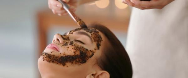 طريقة عمل ماسك القهوة لتقشير الوجه