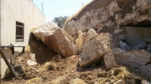 إخلاء 16 شقة سكنية بسبب انهيار صخري في نابلس