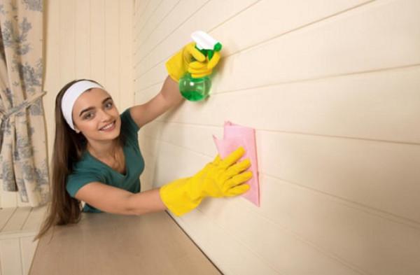 لتتخلصي من البقع.. خطوات سهلة لتنظيف جدران البيت