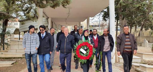 الأسير المحرر فراس قدري يزور ضريحي القادة الشهيد ياسر عرفات ود.سمير غوشة