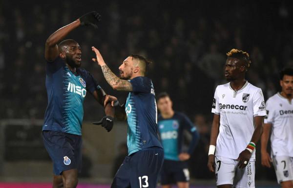 شاهد: العنصرية تُجبر لاعب إفريقي على مغادرة مباراة بالدوري البرتغالي