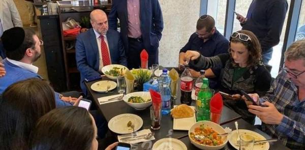 مسؤول فلسطيني يكشف حقيقة لقاءات القيادة الفلسطينية مع إسرائيليين بتل أبيب ورام الله