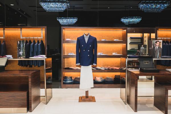 """مول """"نيشن تاورز غاليريا"""" أبوظبي يفتتح متجرين جديدين للأزياء الفاخرة"""