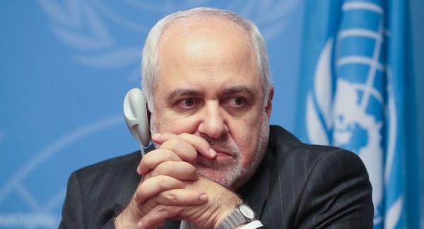 ظريف: مواقف بعض الدول العربية مع إسرائيل وراء الإعلان عن (صفقة القرن)