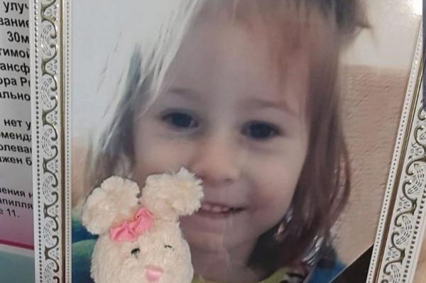 مُربية تطعن طفلة حتى الموت في كازاخستان