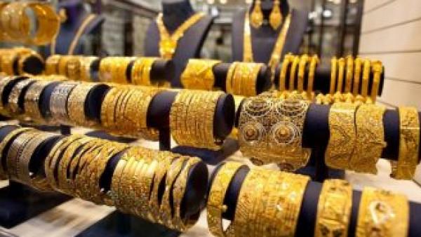 الذهب يتمسك بمستوى مرتفع بفعل مخاوف كورونا