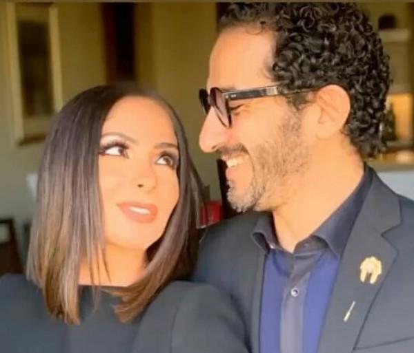 """منى زكي احتفالا بمرور 17 عاما على زواجها من أحمد حلمي: """"لم أشعر"""""""